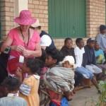 Avec la population de Madagascar